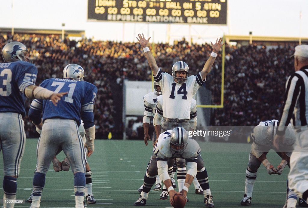 Craig Morton set the NFL postseason record for fewest completions (4) and passing yards (38) in a NFL postseason win when the Cowboys defeated the Detroit Lions 5-0 in the 1970 NFC Divisional Round.