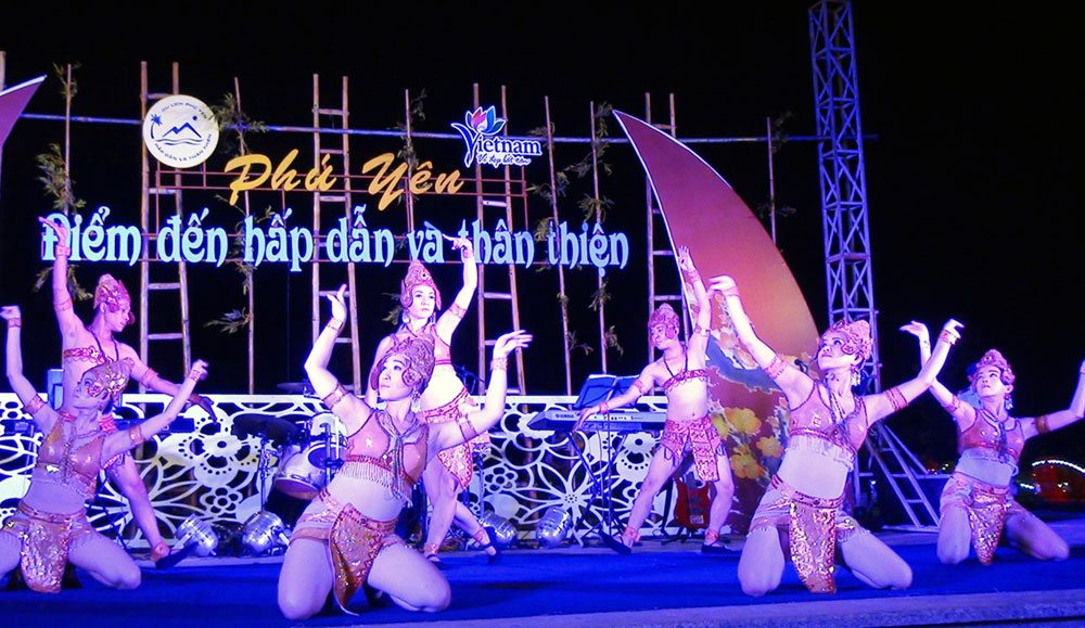 shows at nhan mountain tuy hoa phu yen