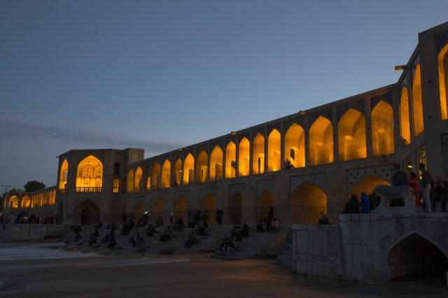 pont-khaju-nuit
