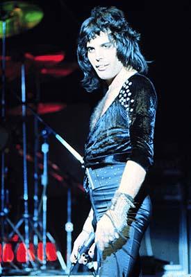 Freddie at MSG 1975