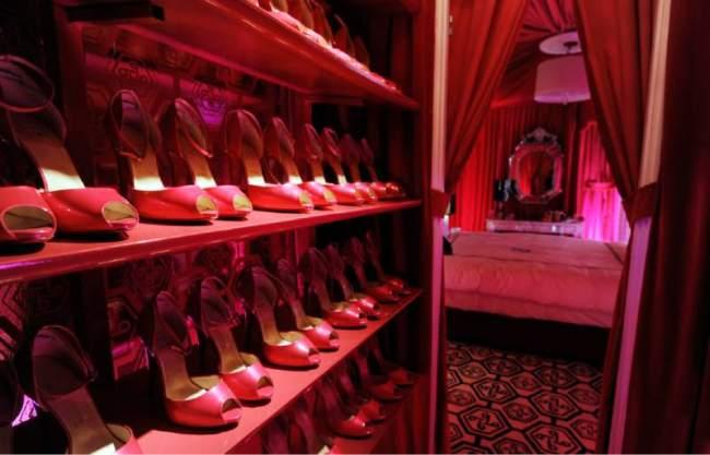 Barbies Dream House Closet