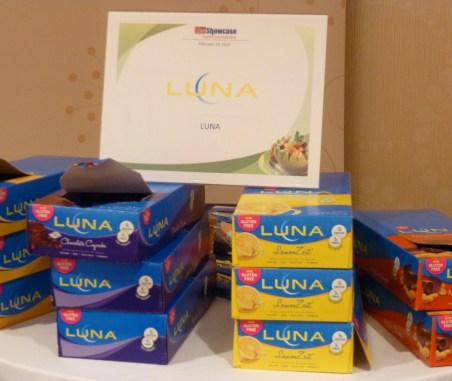 Luna Bar Display