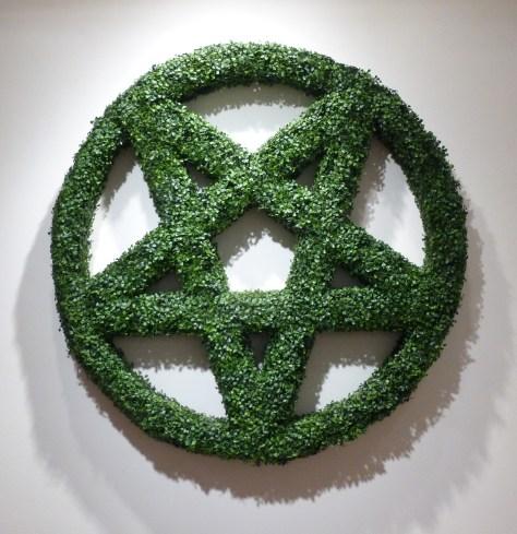 Pentagram Hedge