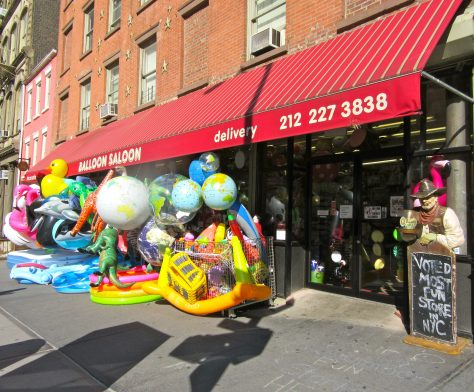 Balloon Saloon Front of Store