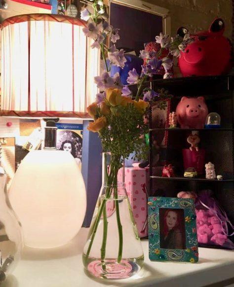 About Flowers Vase Display