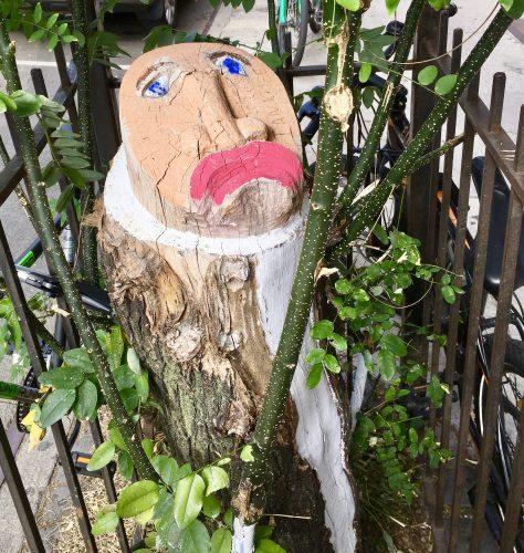 ian knife tree stump art photo by gail worley