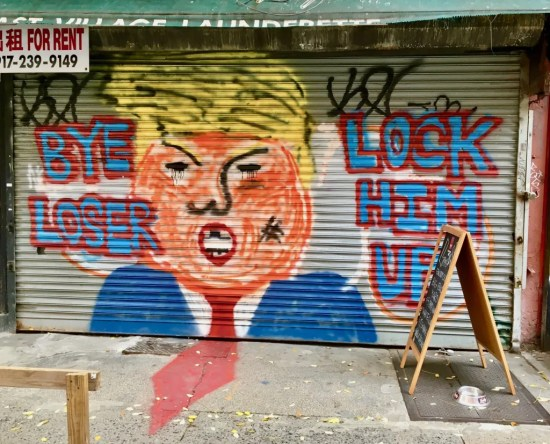 dump loser mural photo by gail worley