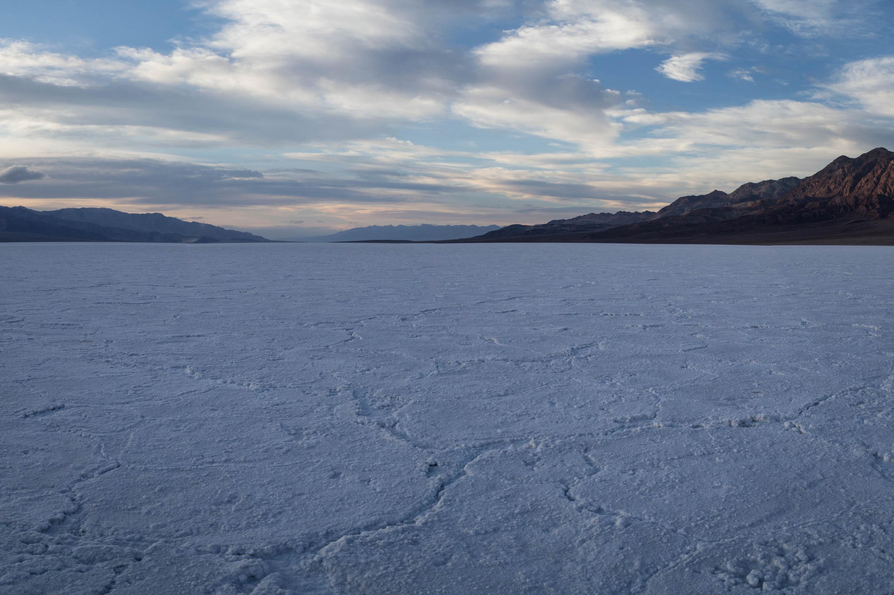 Badwater, le célèbre désert de sel situé à 86m sous le niveau de la mer