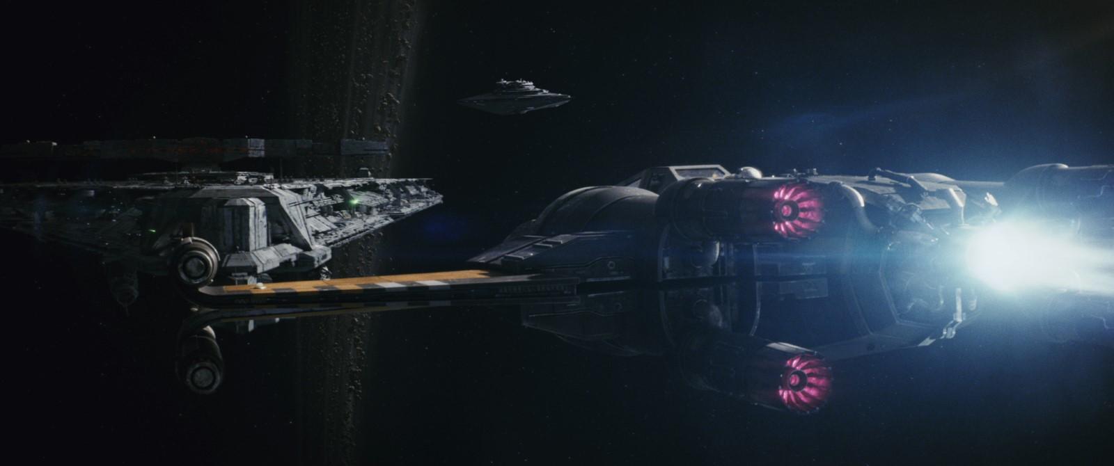 Le film démarre sur les chapeaux de roues dans l'espace ! Crédit photo : Industrial Light Magic / Lucasfilm ©2017 Lucasfilm Ltd