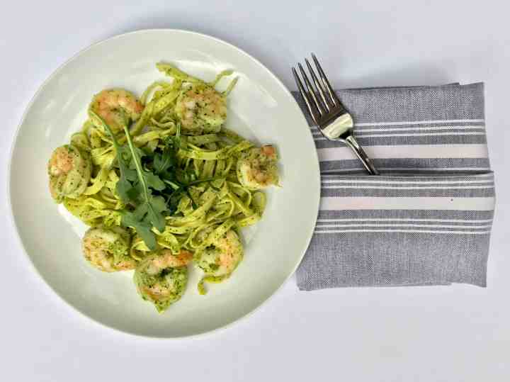 garlic shrimp and arugula pesto pasta