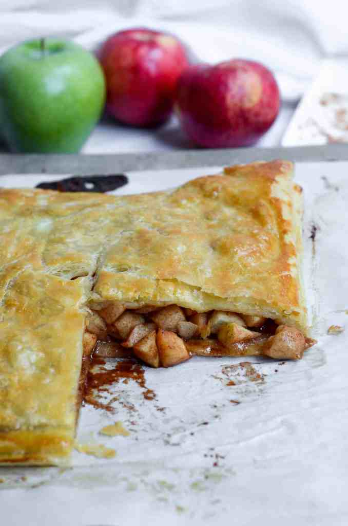 apple slab pie is so easy to make