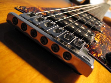 1136guitar_bridge