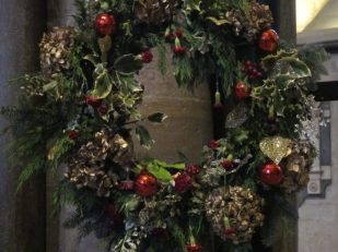 Advent wreath, Salisbury Cathedral UK -- Ana Gobledale