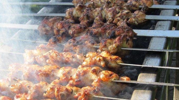 Kippenvleugels op Perzische barbecue