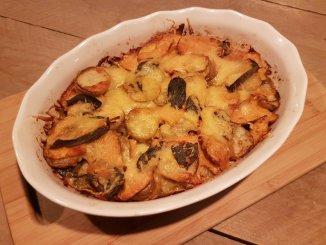 Gratin van zoete aardappel, prei en salie