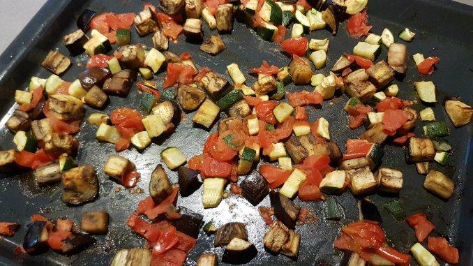 Ovenplaat met geroosterde groenten