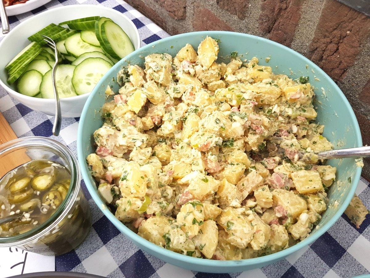 Voor bij de BBQ; Aardappelsalade