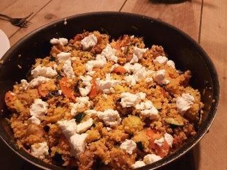 Couscous met gyros, courgette en geitenkaas