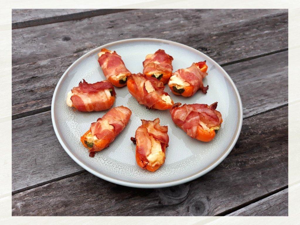 Mini paprika poppers van de BBQ