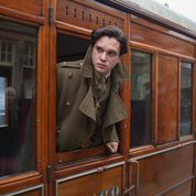 Kit Harrington looks out from the GNR carriage at Keighley Station