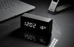 BALDR Wooden Digital Alarm Clock