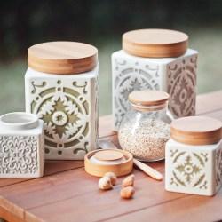 彩绘浮雕陶瓷糖罐