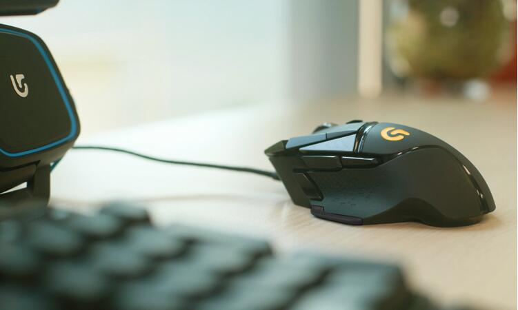 罗技Logitech G502 炫光自适应游戏鼠标,RGB鼠标