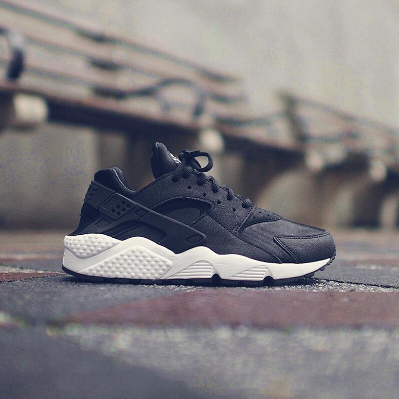 耐克 Nike Air Huarache 华莱士 女子休闲运动跑步鞋
