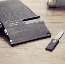 维氏VICTORINOX瑞士军刀卡(4规格改锥圆珠笔 13功能)黑色半透磨砂面