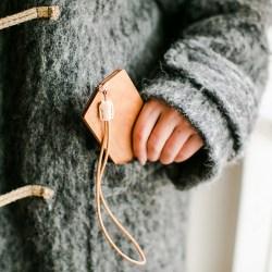 自然和家 创意公交卡套手工定制时尚挂件上班地铁卡保护套木质