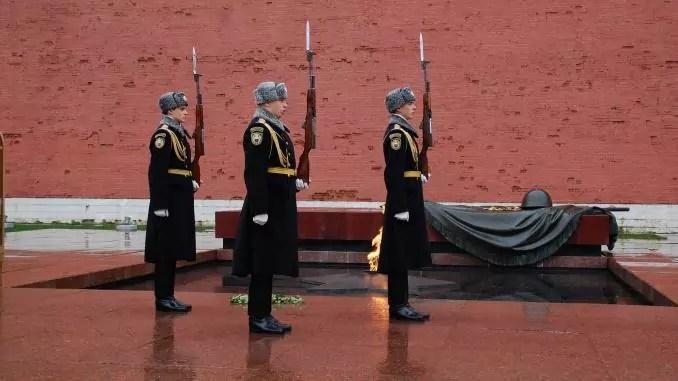 Grab des unbekannten Soldaten in Moskau / Roter Platz