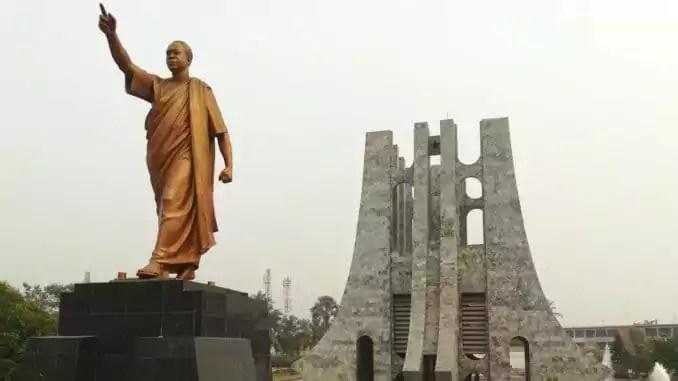 Mit einem Mausoleum wurde dem Unabhängigkeitskämpfer und 1. Präsident Ghanas, Kwame Nkrumah, in Accra ein ehrwürdiges Gedenken gebaut.