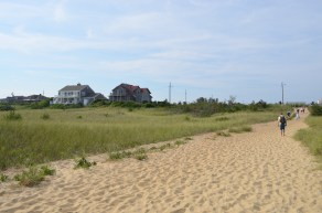 Path looking from Surfside Beach to the parking lot