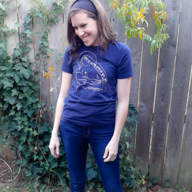 La Leche tee normal with jeans