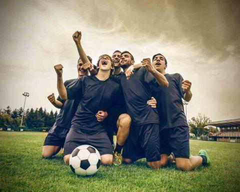 Vertrauen auf die eigenen Stärken, das Team - und den (Fußball)gott? (Foto: Ollyy/ Shutterstock)