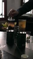 Look, magic! Green tea has more antioxidants than black tea!