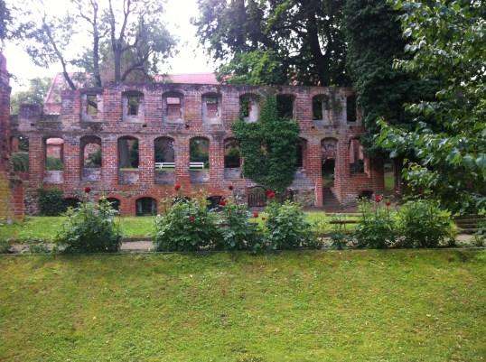 Klosterruin set fra søsiden