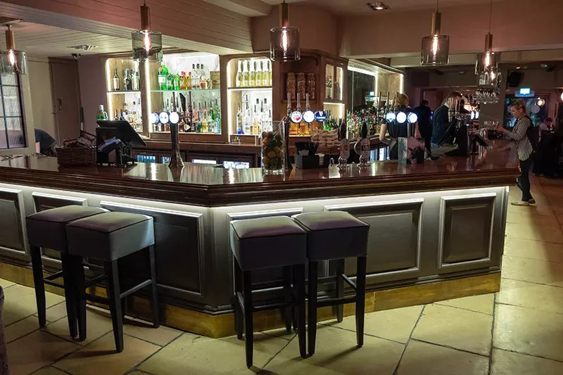 Would Be Traveller The Warren The Bar