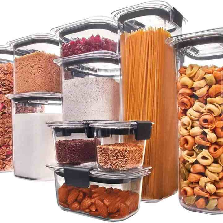 Image of Rubbermaid Brilliance storage containers with an assortment of food inside.