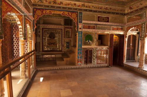 Traditional-Rajasthan-House-Art-Jaisalmer14