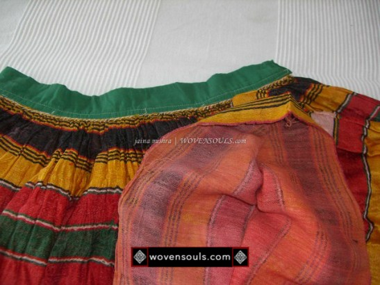 0 138 outer layer is silk or stin and inner layer is cotton