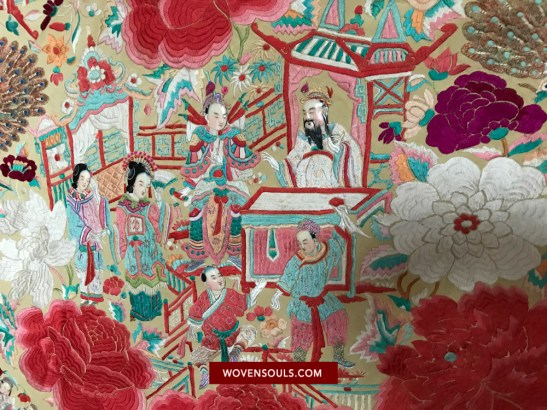 1157 RARE ANTIQUE DOUBLE SIDED EMBROIDERY - FIGURATIVE WITH FACES - MANILA MANTON SILK SHAWL 17