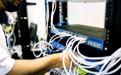 Hardwired vs. Wireless networks