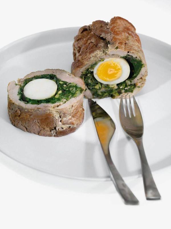 Рулет из свинины со шпинатом и яйцом рецепт 👌 с фото ...