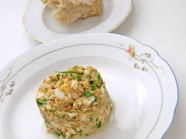 Салат из печени трески рецепт 👌 с фото пошаговый | Как ...