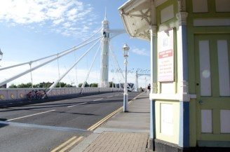 1. Selfridges Bridge_ WowingEmoji