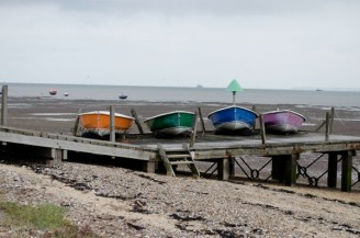 boats_-pantone_southend_-low-tide_-photography_-michela-g-fpr-wowingemoji