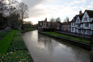 canterbury_along-the-river_-wowingemoji