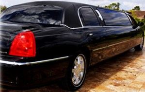 CT Lincoln Stretch Limousine photo