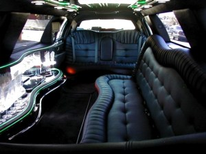 CT Stretch Lincoln Limousine photo